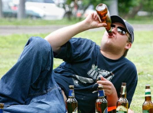 пивной алкоголизм у мужчин - симптомы и лечение в Минске